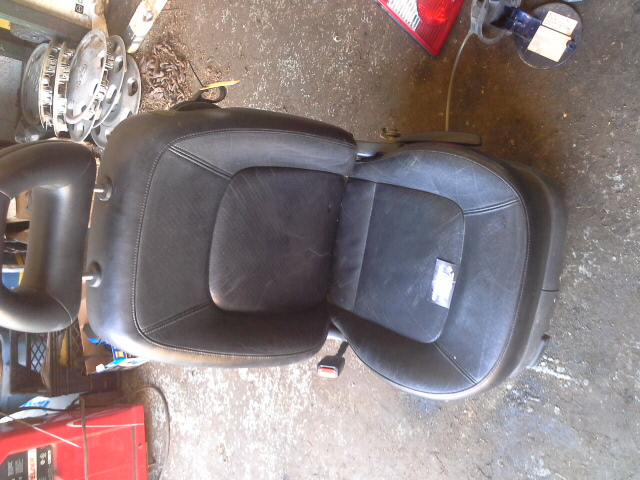 quality used vw parts new beetle driver seat heated leather. Black Bedroom Furniture Sets. Home Design Ideas